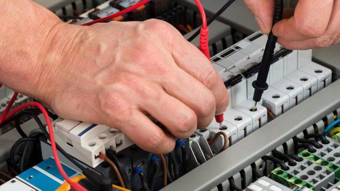 Prezzo pronto intervento elettricista Roma